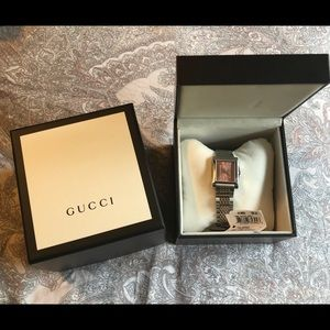 NWT Authentic Gucci Timeless Pink dial watch